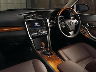 """A20""""G-plusパッケージ""""(2WD)。内装色はブラック。オプション装着車。"""