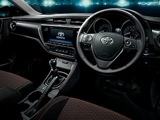 RS。内装色はブラック。オプション装着車。