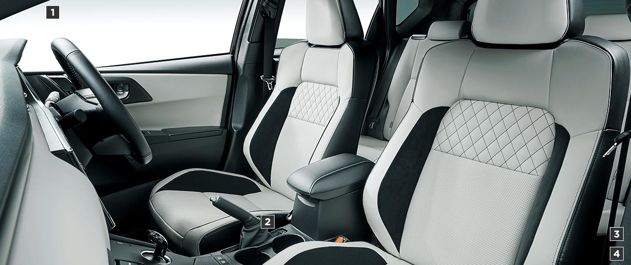 """HYBRID""""G Package""""(2WD)。内装色はホワイト。オプション装着車"""