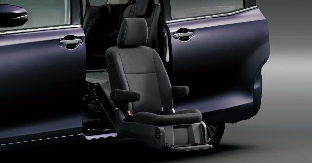 サイドリフトアップシート装着車