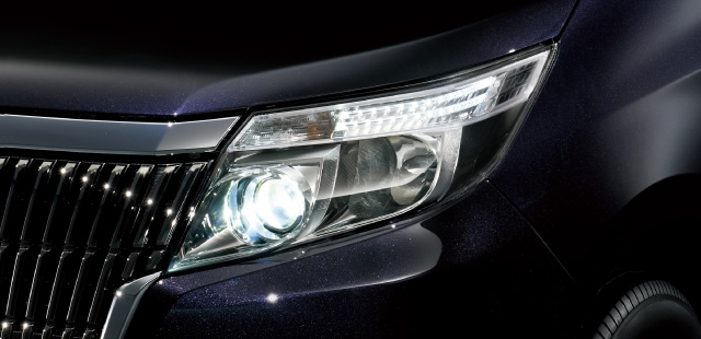 LEDヘッドランプ(オートレベリング[ロービーム]機能付)+LEDクリアランスランプ
