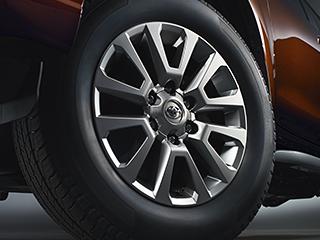 265/60R18タイヤ+18×7 1/2Jアルミホイール[スーパークロームメタリック塗装]