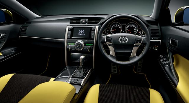 """250G""""Sパッケージ・Yellow Label""""[ベース車両は250G(2WD)]内装色のイエローは特別設定色。"""
