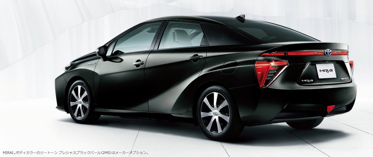 MIRAI。ボディカラーはツートーン プレシャスブラックパール〈2MS〉。オプション装着車
