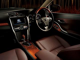"""2.0G""""EXパッケージ""""(2WD)。内装色はブラック。オプション装着車。"""