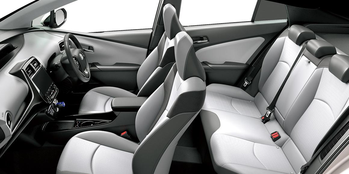 La Toyota Prius Hybride Rechargeable s'offre de très légères retouches — Reportage