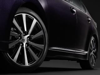 215/45R18タイヤ&7Jアルミホイール(ブラック塗装+切削光輝・センターオーナメント付)+パフォーマンスダンパー(フロント・リヤ)オプション