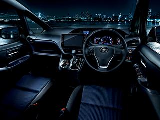 ZS(7人乗り・2WD)。内装色はダークブルー&ブラック。オプション装着車。