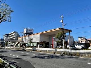 トヨタモビリティ東京 西新井店(旧:東京トヨタ)の外観写真