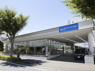 トヨタモビリティ神奈川 辻堂店(旧:神奈川トヨタ辻堂店)の外観写真