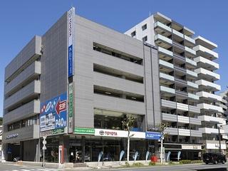 トヨタモビリティ神奈川 横須賀中央店(旧:ネッツトヨタ横浜横須賀中央)の外観写真