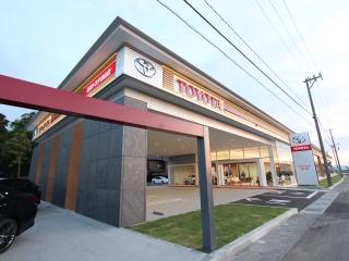 石川トヨタ自動車 白山店の外観写真