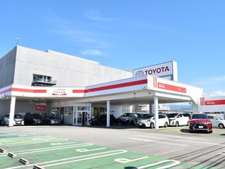 富山トヨペット くるる富山店の外観写真