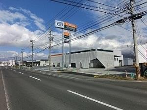 トヨタカローラ秋田 鹿角市店の外観写真
