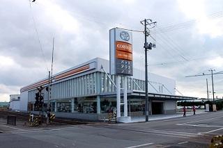 トヨタカローラ秋田 本店の外観写真