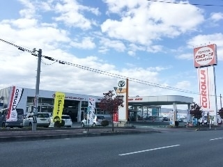トヨタカローラ山形 東根店の外観写真