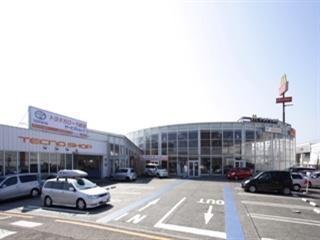 トヨタカローラ新潟 青山フォーラム店の外観写真