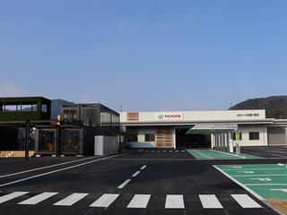 トヨタカローラ京都 舞鶴店の外観写真