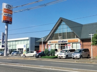トヨタカローラ新大阪 U-Car南高槻店の外観写真