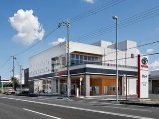 トヨタカローラ神戸 伊丹店の外観写真