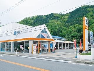 トヨタカローラ姫路 八鹿店の外観写真